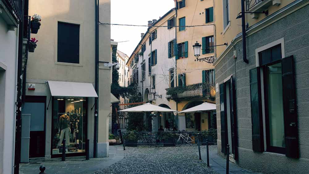 padova jewish singles Padova jewish heritage walk: booking and discover the important jewish history and culture of padova the jewish quarter are you a single traveller looking to.